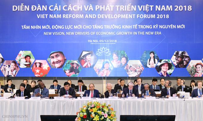 Thủ tướng Nguyễn Xuân Phúc cùng các đại biểu tham dự VRDF