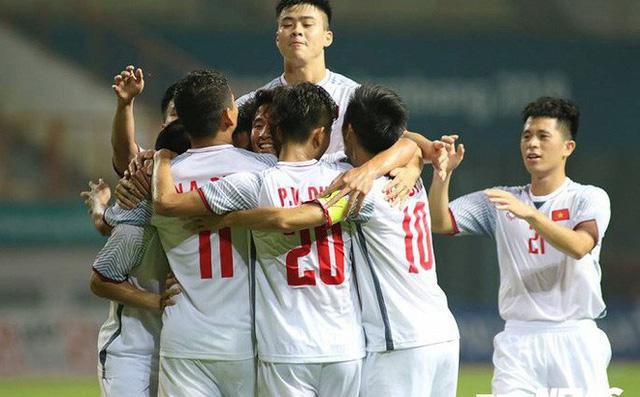Olympic Việt Nam lần đầu tiên trong lịch sử vào bán kết môn bóng đá nam Asiad.