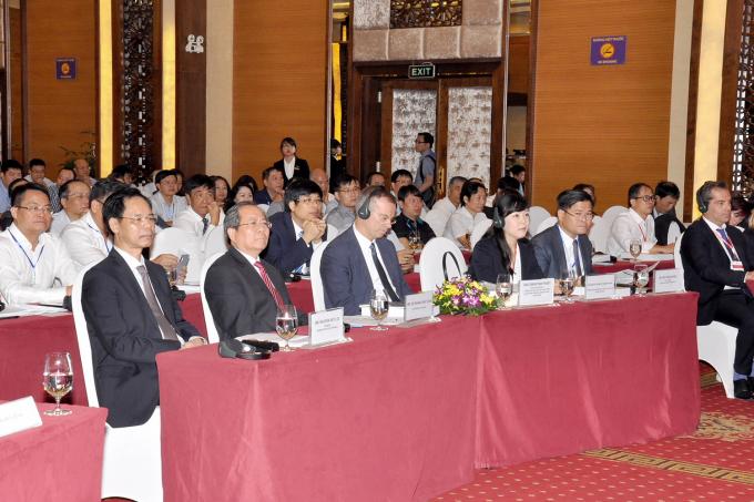 Các đại biểu tham dự Diễn đàn.