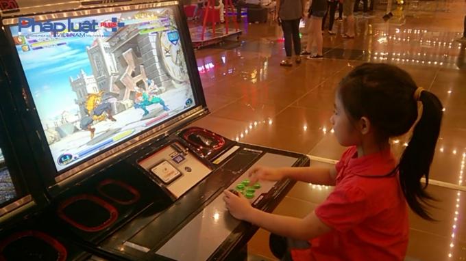Theo khảo sát của nhiều tổ chức và cá nhân trên thế giới, đều cho các kết quả rằng trẻ nhỏ chơi video game bạo lực có nguy cơ gia tăng các hành vi chống đối xã hội của bản thân.