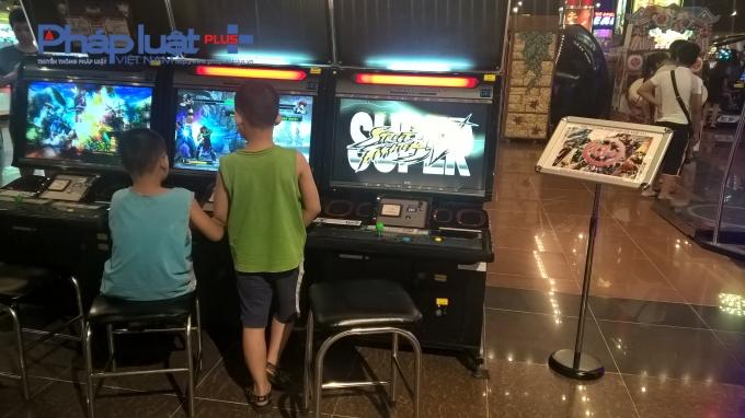 Tuy nhiên, vẫn còn nhiều trường hợp trẻ dưới 13 tuổi chơi các trò chơi này mà không có sự đi kèm của người lớn.