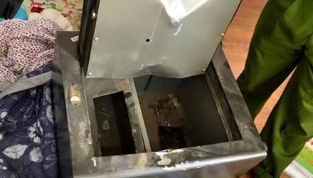 Hình ảnh chiếc két sắt nhà Đăng Khôi bị phá. Ảnh: FBNV