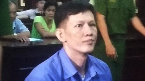 Đối tượng Hùng tại phiên tòa xét xử.