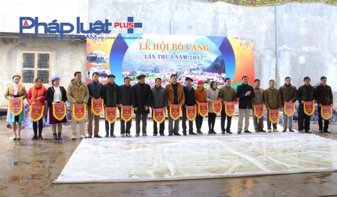 Lễ trao giải các đội có Bò đoạt giải.