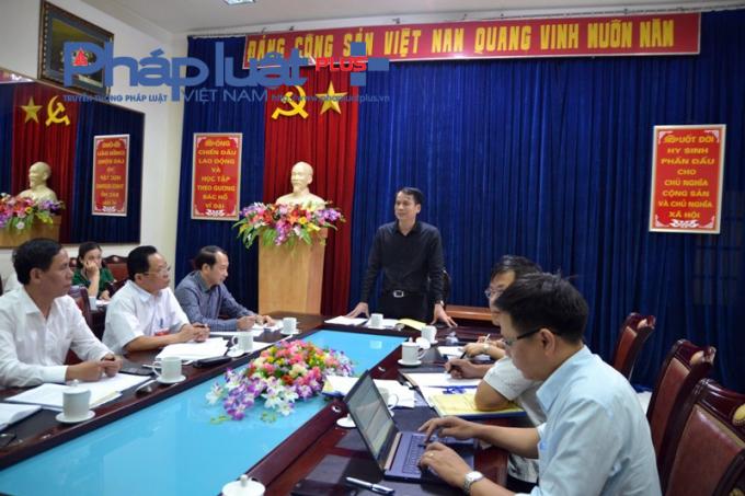 Thứ trưởng làm việc với Ban Chỉ đạo thi tỉnh Hà Giang. (ảnh: Giào Họ)