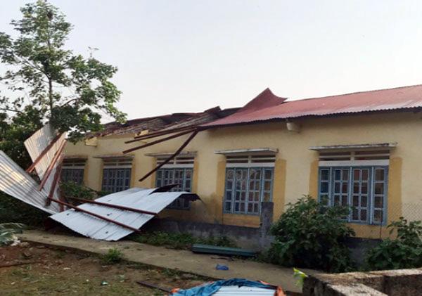 Điểm Trường Tiểu học thôn Na Lang, xã Lùng Vai bị tốc mái. (Ảnh Baolaocai.vn).