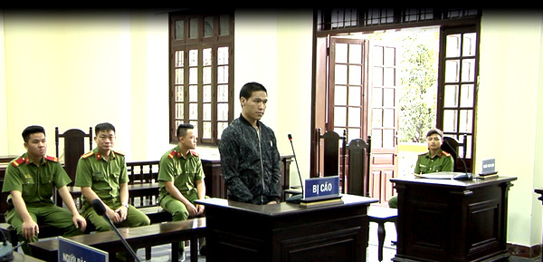 Phiên tòa xét xử vụ án mua bán người.