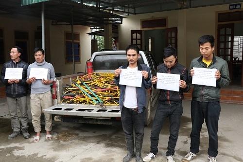 5 đối tượng cùng tang vật bị thu giữ tại CQĐT.