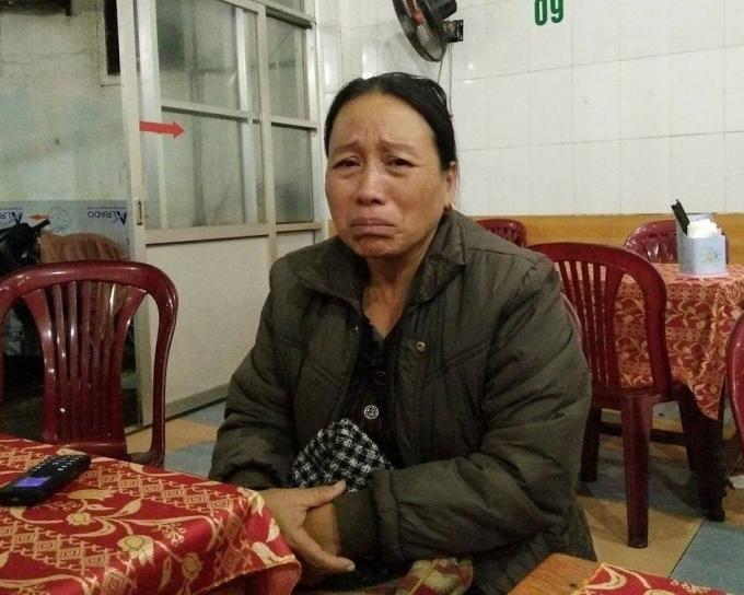 Mẹ của nam sinh Lê Văn Khánh mong các cơ quan chức năng xem xét vụ việc.
