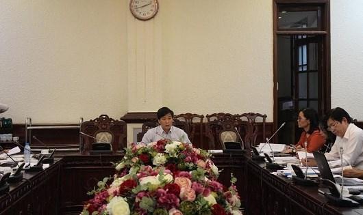 Thứ trưởng Bộ Tư pháp Nguyễn Khánh Ngọc chủ trì phiên họp.