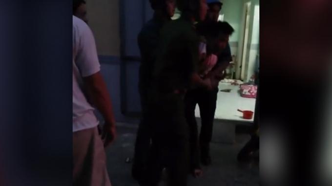 Lực lượng công an nhanh chóng có mặt tại hiện trường tiếp nhận và đưa anh chồng về trụ sở.