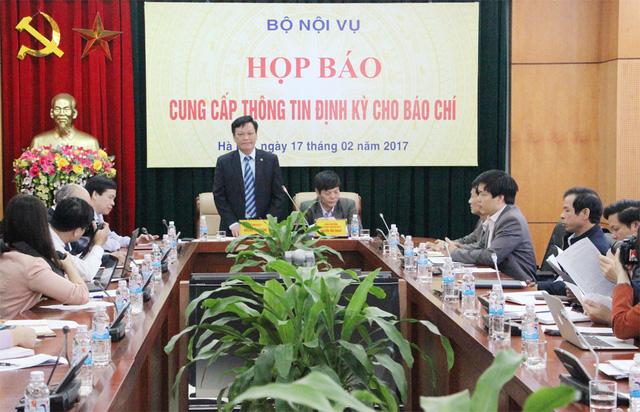 Quang cảnh buổi họp báo tại Bộ Nội vụ.