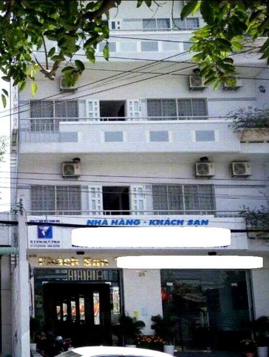 Khách sạn nơi ông Nguyễn Xuân Quang, Phó Cục trưởng Cục Kiểm soát hoạt động bảo vệ môi trường trình báo bị mất 385 triệu đồng.