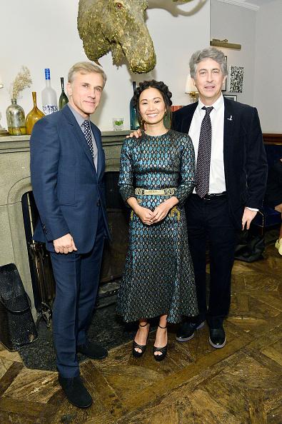 Hồng Châu bên bạn diễn - nam diễn viên Christoph Waltz (trái) và đạo diễn Alexander Payne (phải).