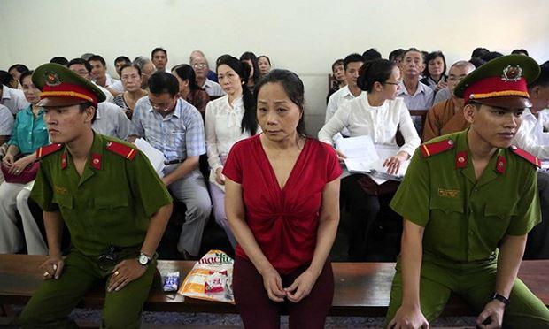 Bị cáo Trương Thị Tuyết Nga tại phiên tòa.