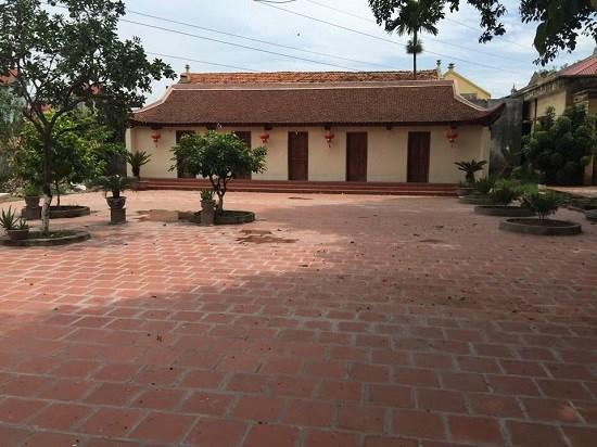 Nhà khách đình Đăm.