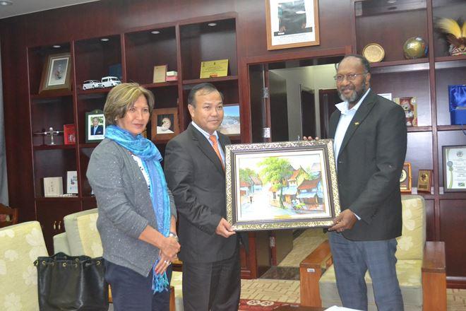 Thứ trưởng Vũ Hồng Nam gặp Thủ tướng Vanuatu.
