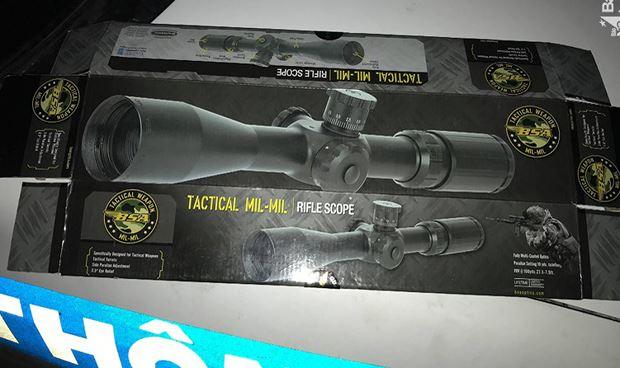 Khẩu súng chưa qua sử dụng, hộp súng còn nguyên.