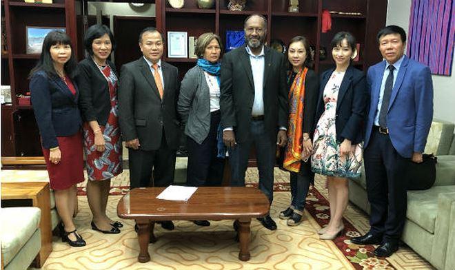 Đoàn chụp ảnh chung với Thủ tướng Vanuatu.