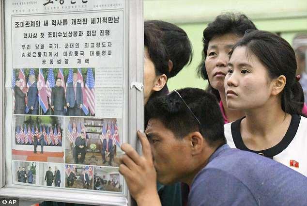 Hình ảnh hội nghị Mỹ-Triều tràn ngập Triều Tiên. (Ảnh: AP)