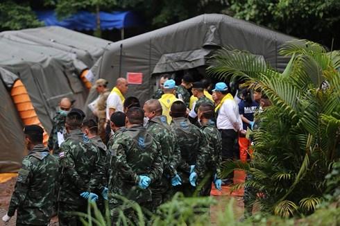 Đã có 90 người tham gia vào chiến dịch giải cứu ngày 8/7.