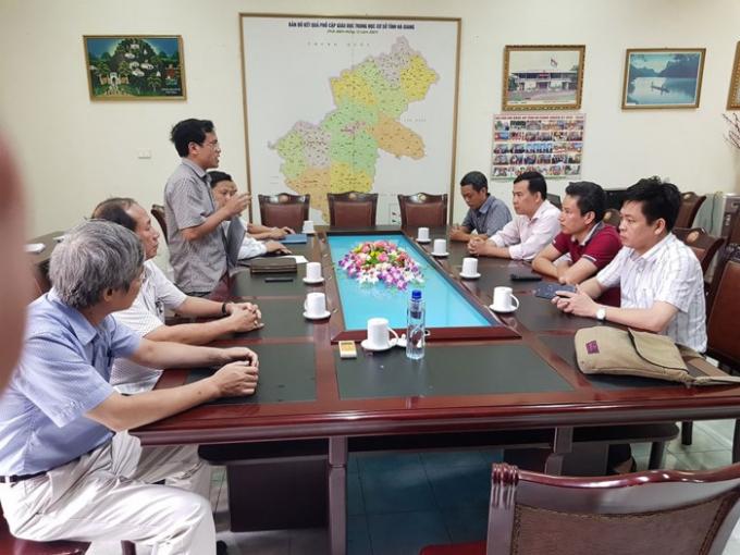 Cuộc họp công bố quyết định của Bộ trưởng GD-ĐT thành lập hội đồng chấm thẩm định toàn bộ bài thi trắc nghiệm tại Hà Giang. (Ảnh: Đăng Lương)
