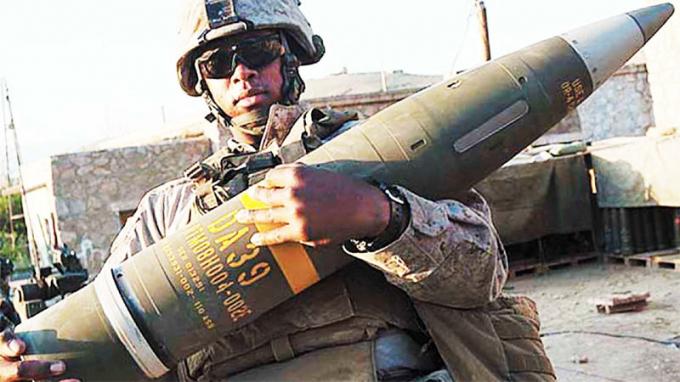 Hệ thống M777 do một đội gồm 7 binh sĩ vận hành, và mỗi người đều có một vai trò không thể thiếu.