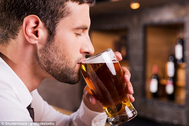 Nghiên cứu cho thấy một vài chai bia nhỏ một tuần hoặc một chai rượu vang thực sự có thể giúp đàn ông bắt đầu một gia đình.