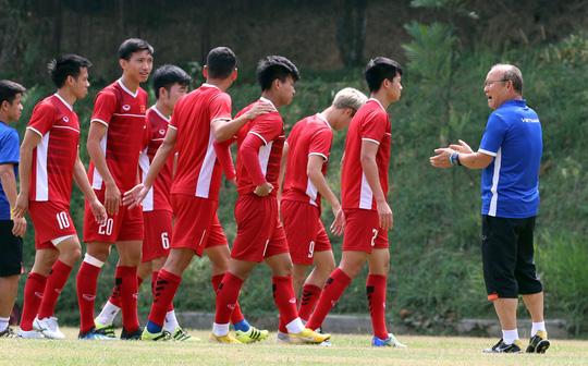 Thầy trò ông Park Hang-seo cùng niềm tin chiến thắng đội tuyển Olympic UAE.