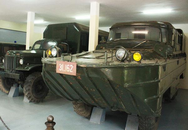 Những chiếc xe từng trực tiếp tham gia di chuyển thi hài Bác, hiện được trưng bày tại Khu di tích K9 Đá Chông.