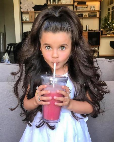 Nhiều khả năng Mia sẽ tiếp tục xinh đẹp và nổi tiếng trong tương lai.