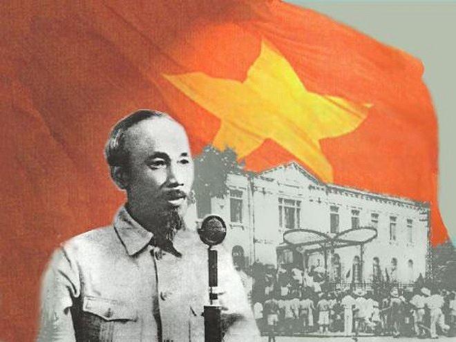 Chủ tịch Hồ Chí Minh đọc bản Tuyên ngôn Độc lập khai sinh ra nước Việt Nam Dân chủ Cộng hoà vào ngày 2/9/1945. Ảnh tư liệu