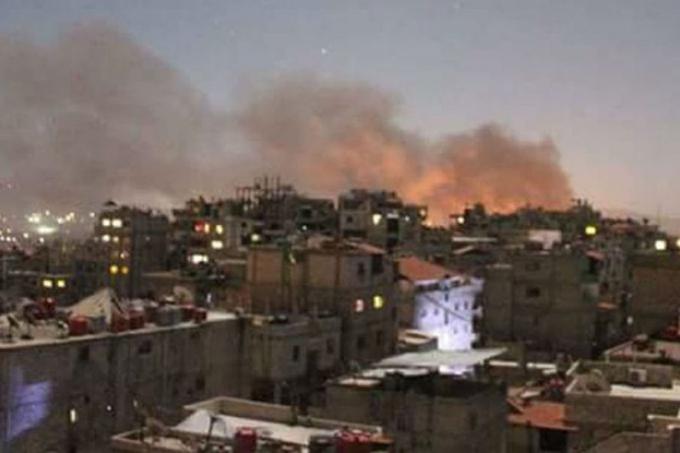 Xảy ra nhiều tiếng nổ lớn ở thủ đô Syria sáng 2.9. Ảnh: Twitter.
