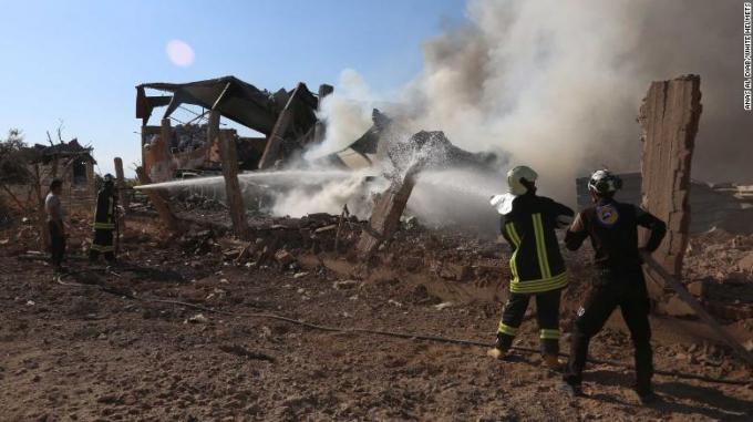 Hiện trường vụ không kích ở Khan Sheikhoun hồi tuần trước.