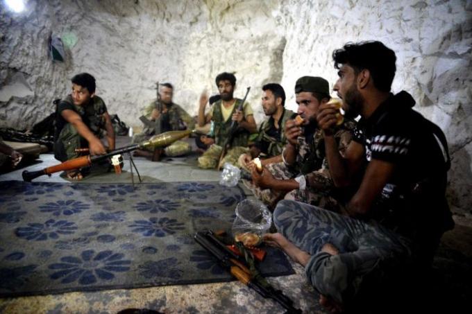 Quân nổi dậy Syria quyết không rời Idlib.