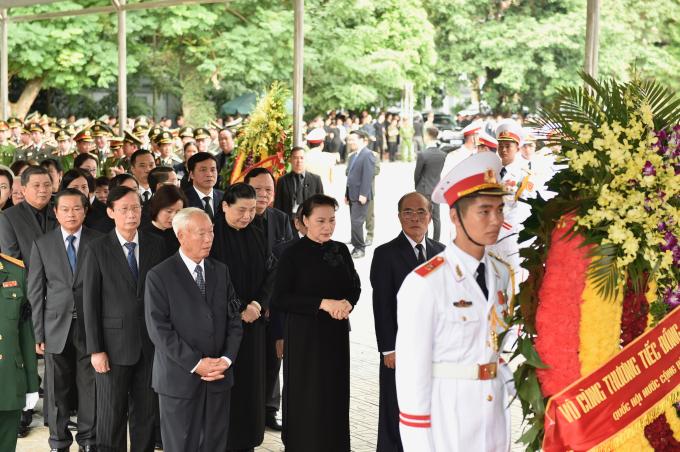 Đoàn Quốc hội do đồng chí Nguyễn Thị Kim Ngân, Ủy viên Bộ Chính trị, Chủ tịch Quốc hội làm Trưởng đoàn vào viếng đồng chí Trần Đại Quang và chia buồn cùng gia quyến.
