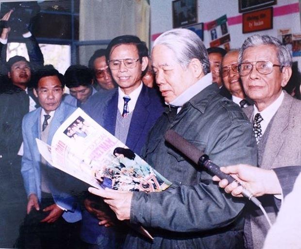 Tổng Bí thư Đỗ Mười tại Hội Báo Xuân.