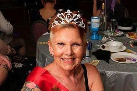 Bà Marilyn Bersey xứng đáng với danh hiệu vũ công thoát y lớn tuổi nhất