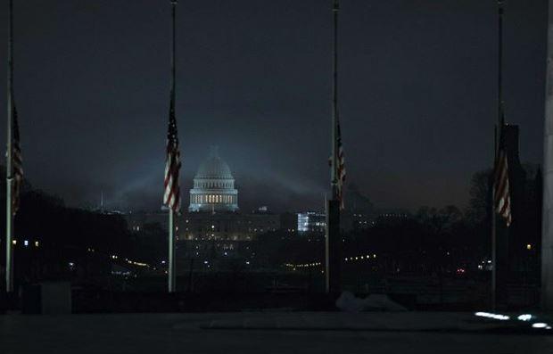 Cờ rủ được treo tại Washington và các nơi khác ở Mỹ để tưởng niệm cố Tổng thống Mỹ George H.W. Bush.