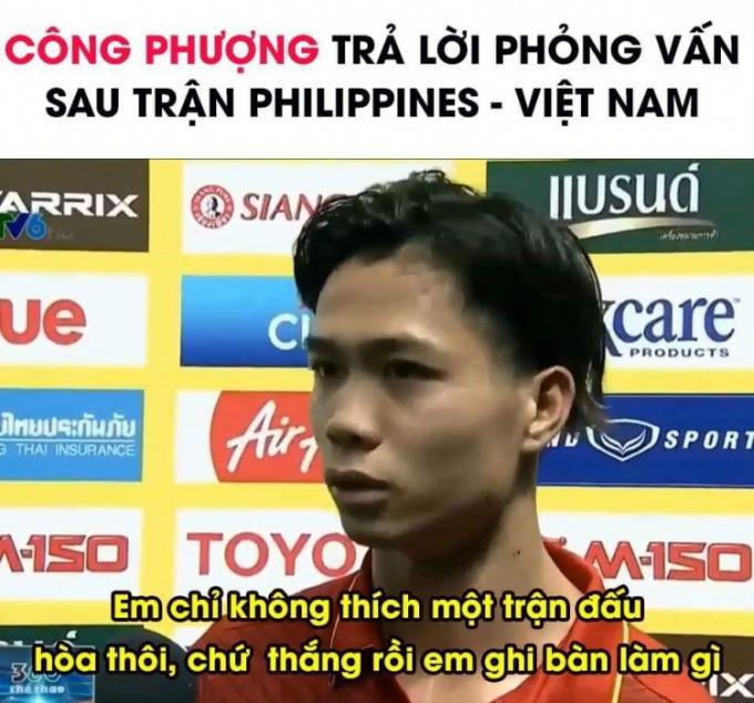 Hàng ngàn những bình luận xung quanh pha bóng đi bóng thoát tim của tiền đạo của ĐT Việt Nam.