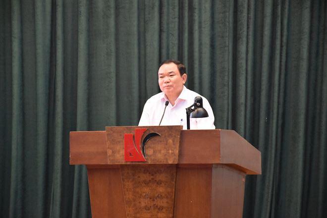 Phó Bí thư thường trực Đảng ủy Bộ Tư pháp Nguyễn Kim Tinh phát biểu tại buổi lễ.