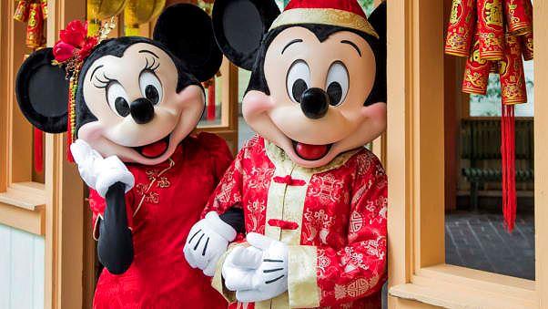 Hoạt động chào mừng Tết Nguyên Đán tại Công viên Disney Los Angeles (Ảnh: CNN)