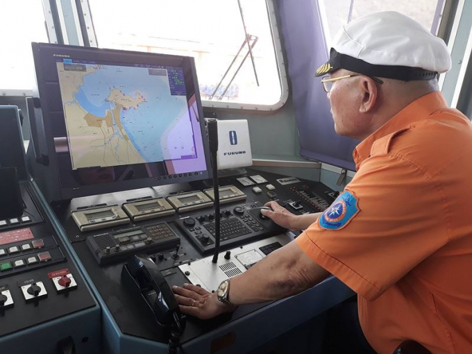 Thuyền trưởng tàu SAR 412 Phan Xuân Sơn.