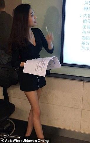 Theo trang tin Apple Daily, Cheng đang theo học ngành Luật tại trường đại học Văn hóa Trung Quốc và giảng dạy các hóa học về kinh tế tri thức và sở hữu trí tuệ.
