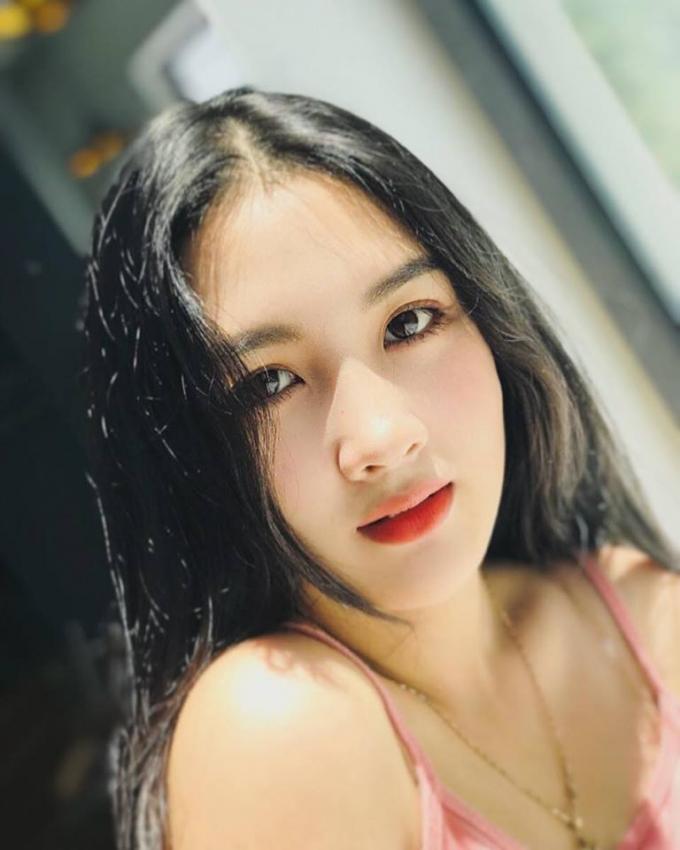 Được biết, ngôi trường nơi Lan Anh đang theo học - Trường Đại học Sài Gòn cũng có rất nhiều nữ sinh xinh đẹp, học giỏi nổi tiếng.