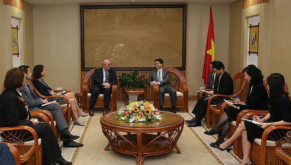 Phó Thủ tướng Vũ Đức Đam tiếp Đại sứ Vương quốc Bỉ Paul Jensen.