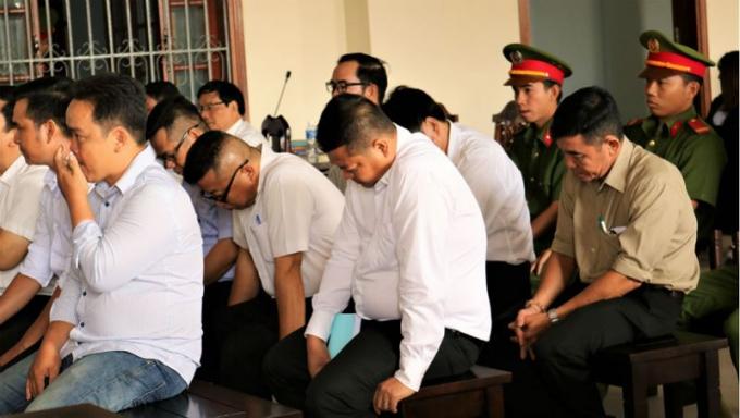 Các bị cáo chấp nhận hành vi của mình là sai và nhìn nhận trách nhiệm, bày tỏ sự ăn năn.