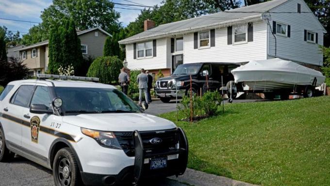 Sau 26 năm, thủ phạm mới bị phát hiện bắt giữ tại nhà riêng.