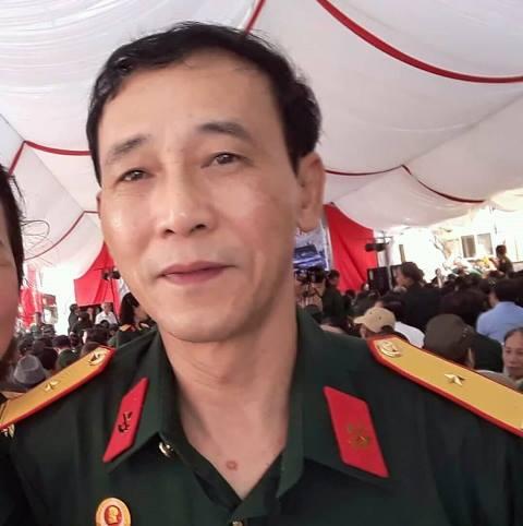Ông Phạm Văn Sơn, cán bộ hưu trí tại phố Lương Yên (quận Hai Bà Trưng, Hà Nội)