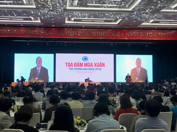 Đại biểu quốc tế tham dự và phát biểu tham luận tại Tọa đàm